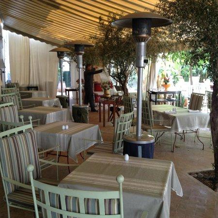 restaurant foto van les jardins de la medina marrakesh tripadvisor. Black Bedroom Furniture Sets. Home Design Ideas