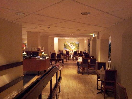 Hotel Oresund: breakfast area..