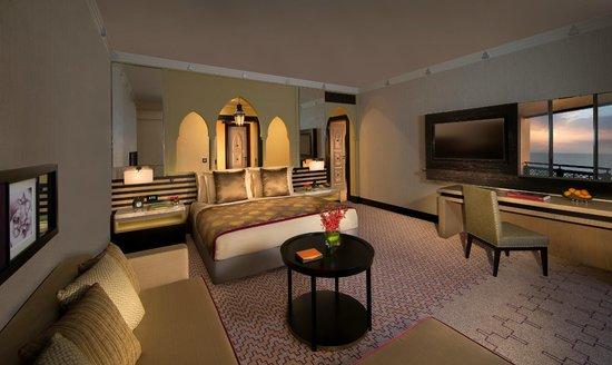 Jumeirah Mina A'Salam: Ocean Suite Bedroom