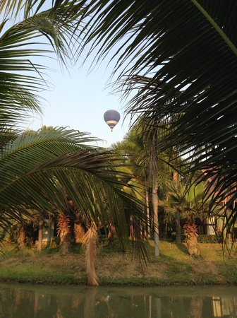 Horizon Village and Resort : Hot air balloon flights by BalloonAdventureThailand