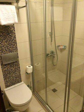 InnPera Hotel : Dusche
