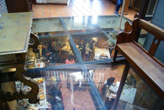El Hostal Puerta Bisagra : Vista del comedor.2
