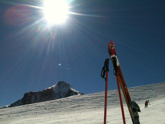 Kitzsteinhorn: Looking down form 2450 meters
