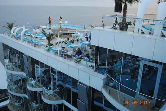 Resort & SPA Hotel NEMO with dolphins: На крыше отеля