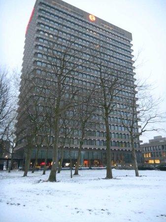 Ramada Apollo Amsterdam Centre: From the outside