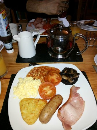 Pitcairn House: breakfast