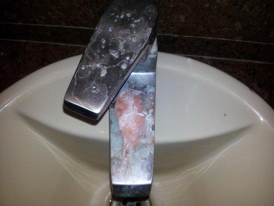 Corus Hotel: bathroom