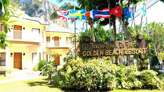 Golden Beach Resort : The Resort