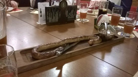 Zeughauskeller : half a meter sausage