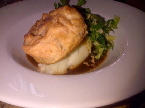 Cow and Plough: Good Steak & Ale Pie