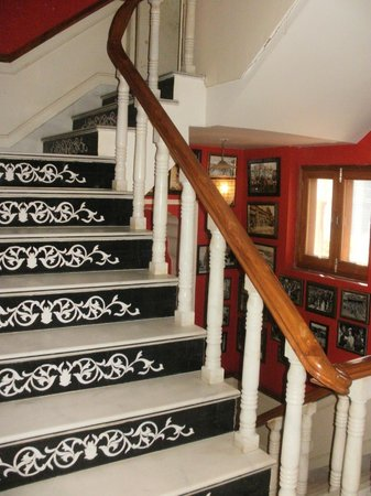 Pearl Palace Heritage - The Boutique Guesthouse: Stairs to the rooms
