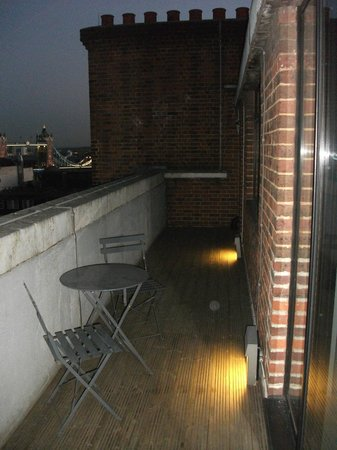 Apex City of London Hotel: Junior Suite Balcony with views of Tower Bridge and London Tower