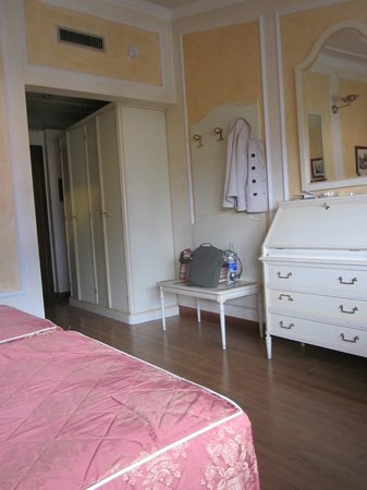 Grand Hotel Dino: Room