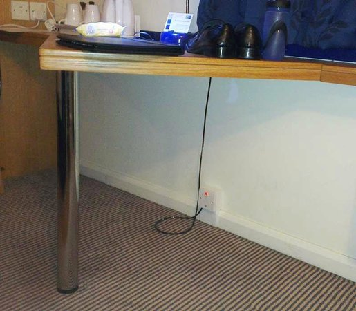Holiday Inn Express Birmingham NEC: Desk