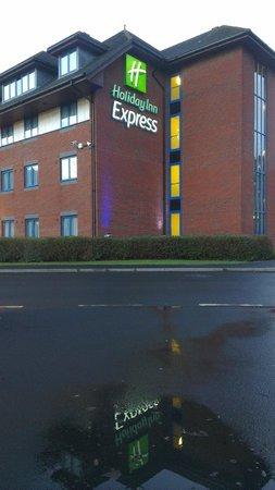 Holiday Inn Express Birmingham NEC: Building