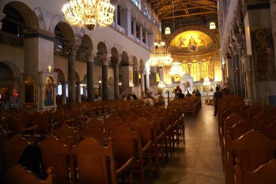 Church of Agios Dimitrios: Внутреннее убранство Базилики
