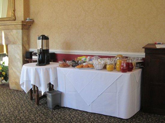Monk Fryston Hall Hotel: Limited breakfast buffet