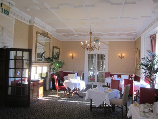 Monk Fryston Hall Hotel: General view of dining room