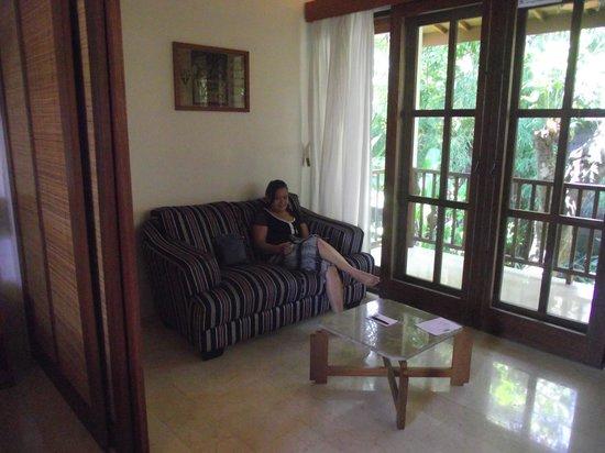 The Studio Bali: Ruang Duduk Di Dalam Villa