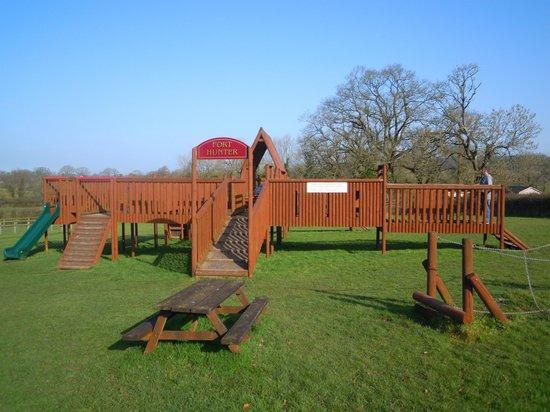 Hunters Lodge Inn: Playgroung