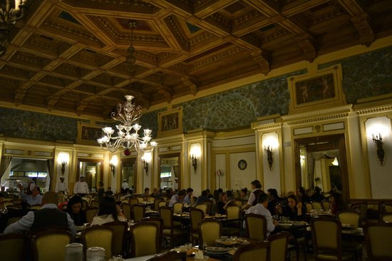 Grand Hotel Britannia Excelsior: check out the ceiling