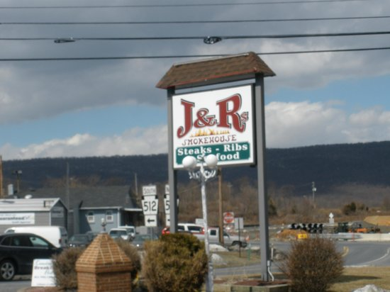 J & R's Smokehouse Incorporated: as seen from highway