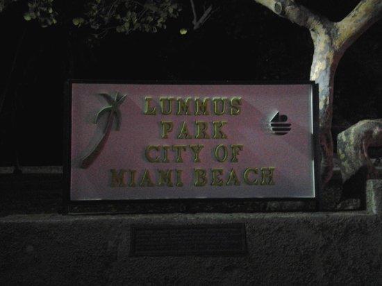 Lummus Park Beach : cartello