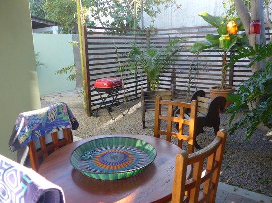 Casa Verde Inn: Spazio esterno