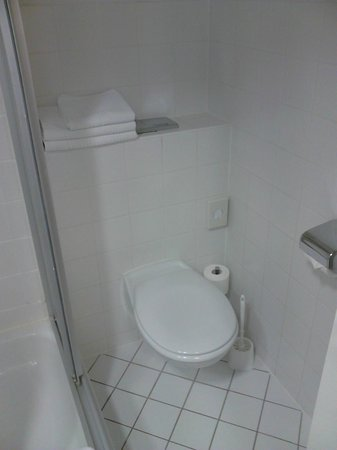 Park Hotel Blub Berlin: Туалет