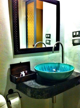The Memory at On On Hotel: Bathroom sink