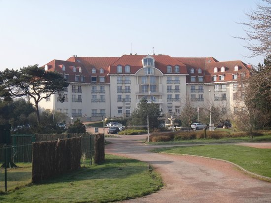 Vue de l 39 hotel picture of best western grand hotel le for Hotels le touquet