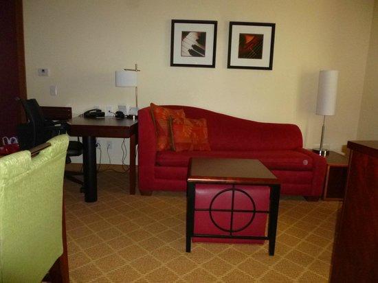 Residence Inn San Antonio SeaWorld®/Lackland : Living Room with Sofa Sleeper