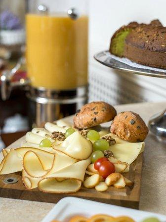 Boutique Hotel Seven Days : Buffet breakfast