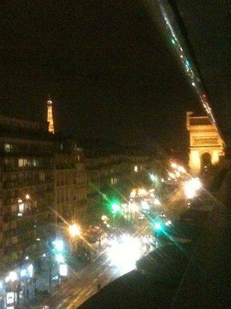 Renaissance Paris Arc de Triomphe Hotel: vue de la terrasse
