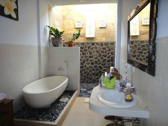 Kama Bisma Cottage : Kama Bisma - Krisna Bathroom