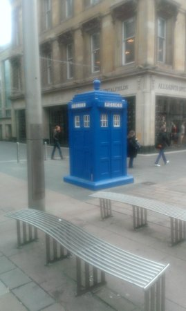 Premier Inn Glasgow City Centre Buchanan Galleries Hotel: Just down the road from the hotel...hope it's still there. One never knows Dr Who's movements !