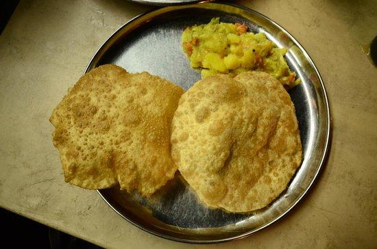 Sri Ananda Bahwan: Puri