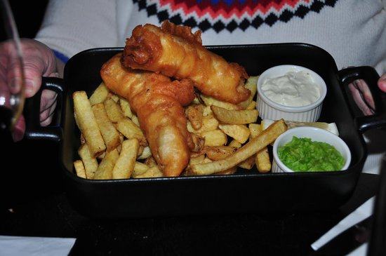 Powerscourt Hotel, Autograph Collection: Fish and Chips from the Pub