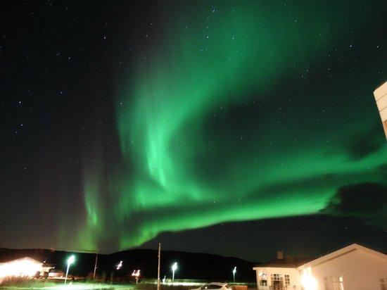Hotel Grimsborgir: Aurora borealis just outside our apartment