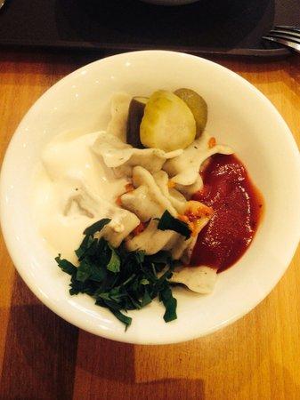 Pelmeni XL: Veg dumplings and pickled veg