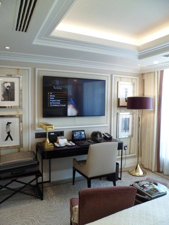 The Wellesley Knightsbridge, a Luxury Collection Hotel, London: the room