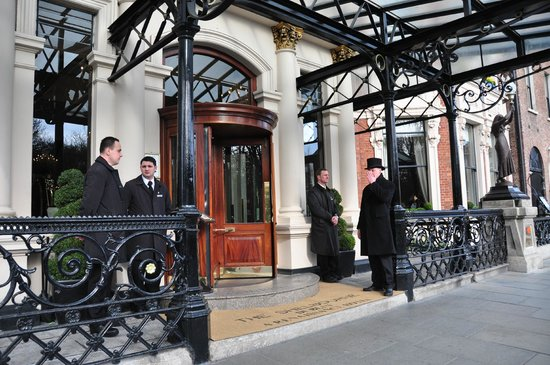 The Shelbourne Dublin, A Renaissance Hotel: Entrance