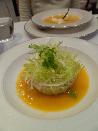 The Wellesley: crab salad at oval