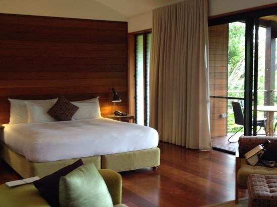 Qualia Resort: the bedroom in the villa