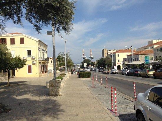The Colony Hotel Haifa: Vista para o porto