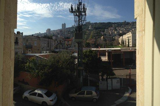 The Colony Hotel Haifa: Vista do quarto