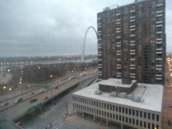 Hampton Inn - St. Louis Downtown at the Gateway Arch : View!!
