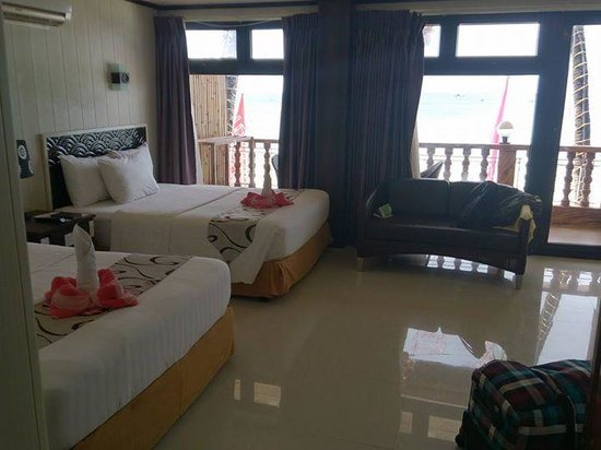 Diamond Water Edge Resort: room