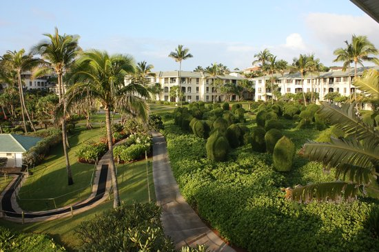 The Point at Poipu: Resort grounds