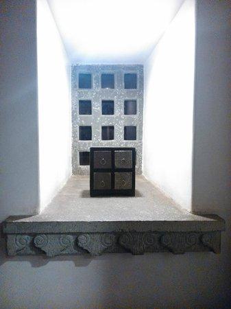 Madri Haveli: Adorno